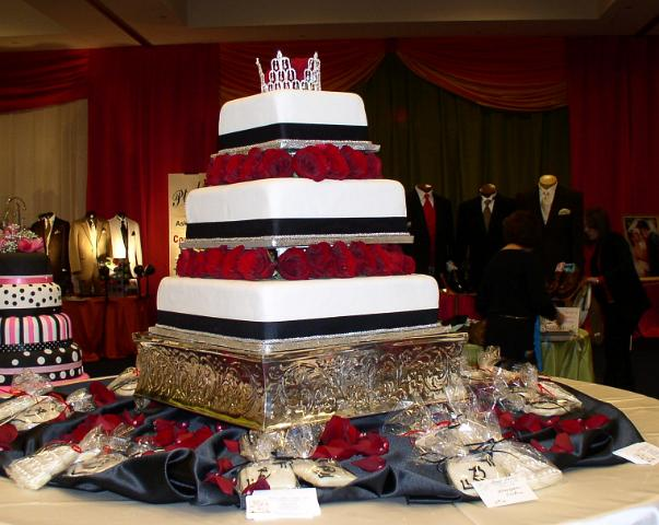 Bonnie Belles Pastries Wedding Cakes Wedding Cake W Red Roses